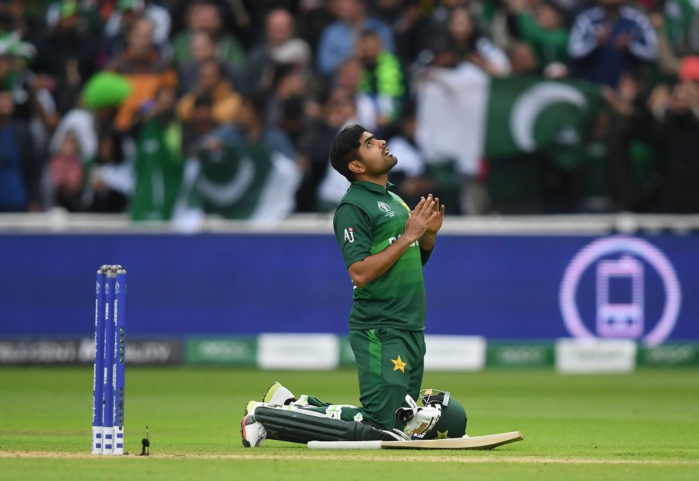 Pakistan revive memories of 1992 as they keep themselves in contention