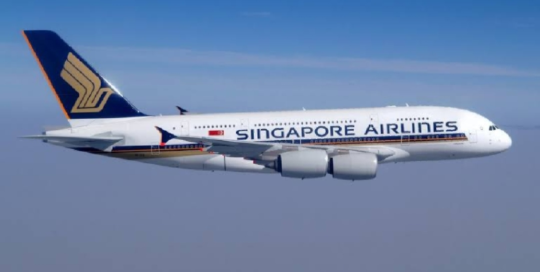 Emergency Landing of Singapore Airlines Plane at Delhi Airport