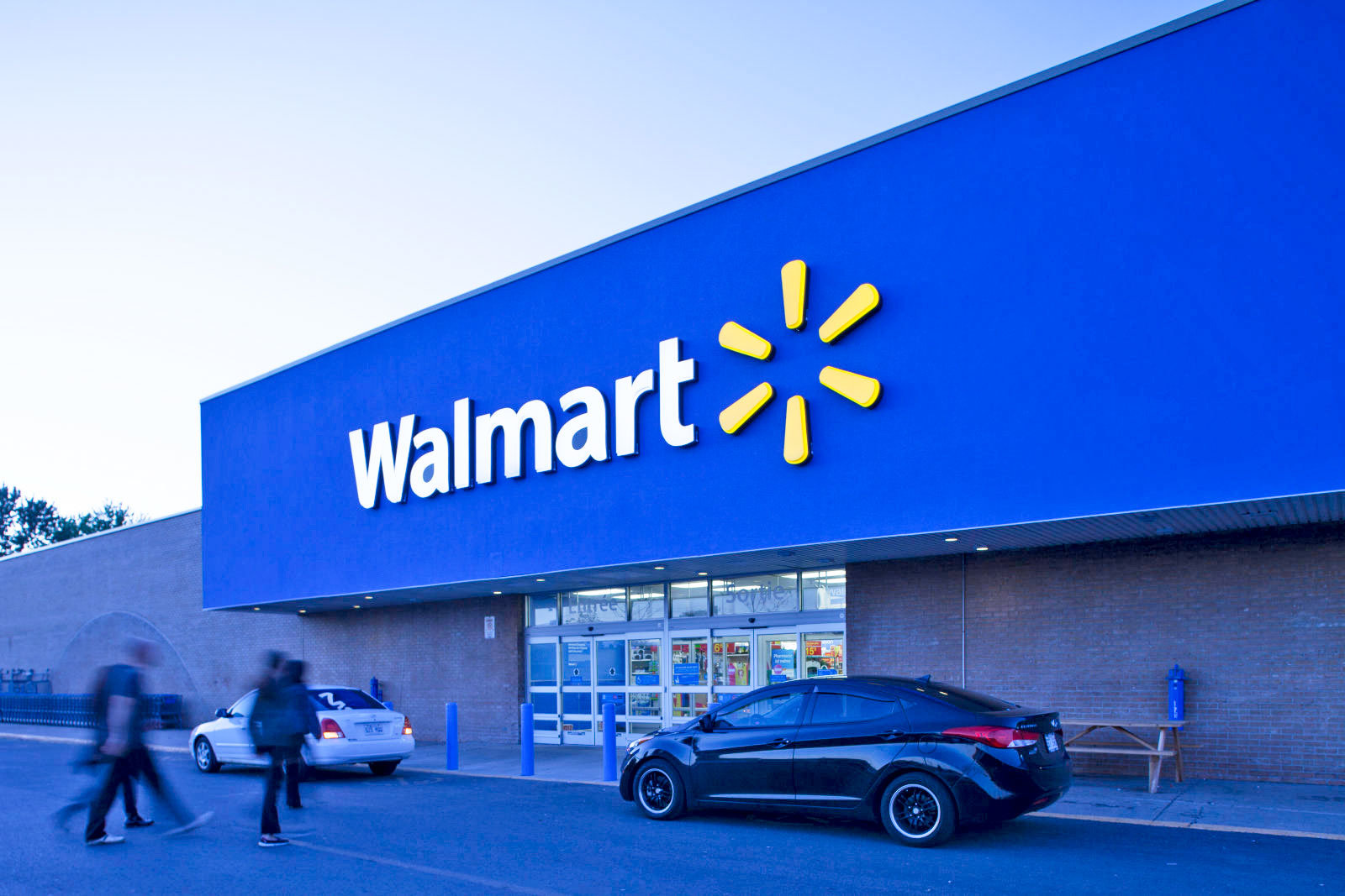 Walmart stops handgun ammunition, assault-style weapons sales