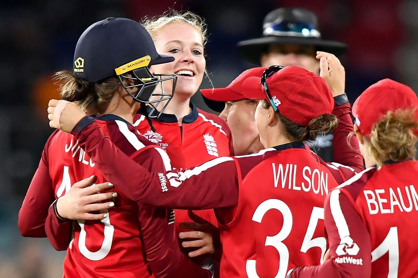 ICC Women's T20 WC - England's Glenn and Ecclestone spin Pakistan into submission