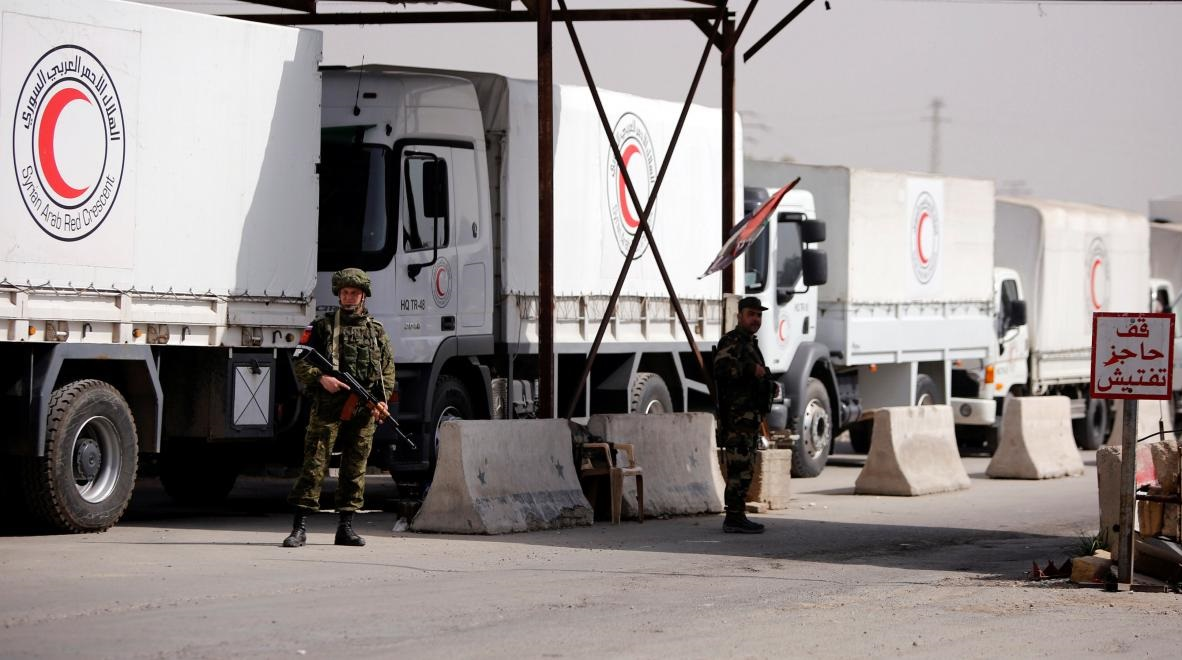 Syria's Ghouta received First aid convoy, stripped